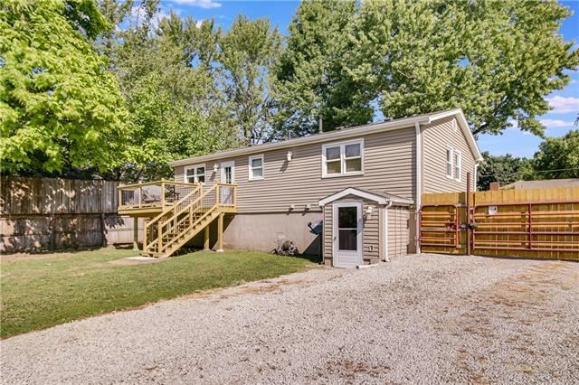 501 W Gudgell Avenue, Independence, MO 64055