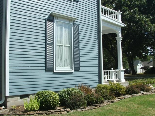 1206 Elm Street, Humboldt, KS 66748
