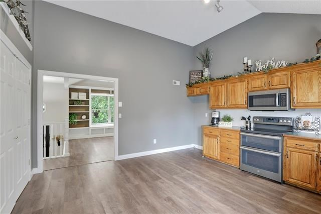 801 SW Woodland Drive, Grain Valley, MO 64029