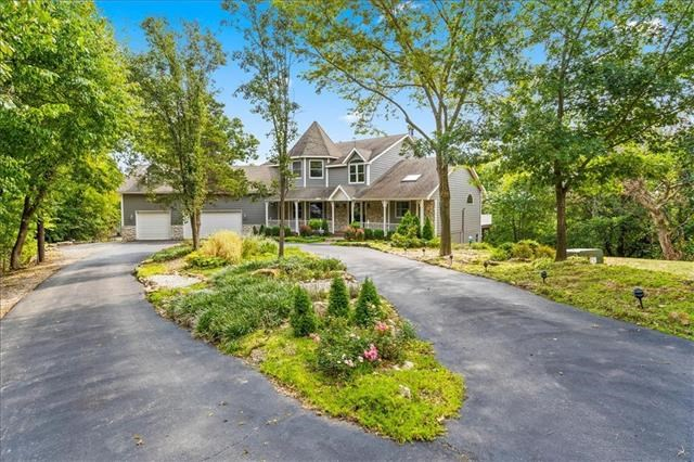 2411 S Crenshaw Road, Independence, MO 64057