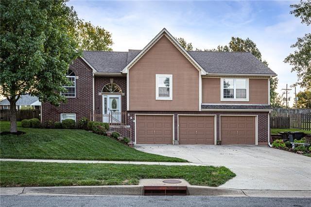 919 S 131st Street, Bonner Springs, KS 66012