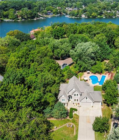 9404 NW 78th Street , Weatherby Lake, MO 64152