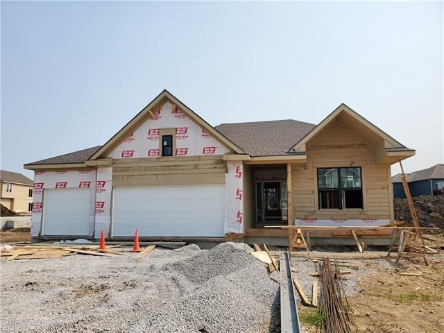 704 SE Colonial Drive, Blue Springs, MO 64014