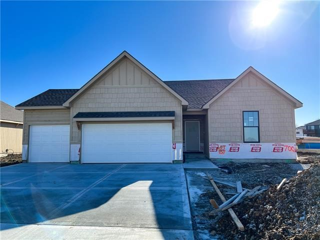 700 SE Colonial Drive, Blue Springs, MO 64014