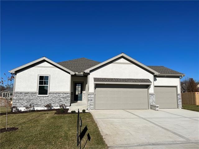 1806 Foxtail Drive, Pleasant Hill, MO 64080