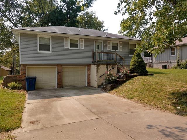 112 SE Cromwell Street, Blue Springs, MO 64015