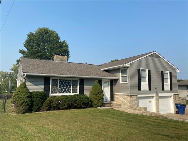 621 Lakeview Road, Blue Springs, MO 64014