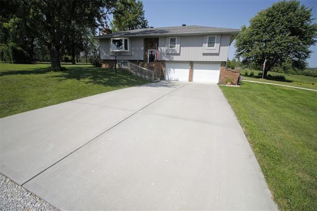 33904 N Reynolds Road, Rayville, MO 64084
