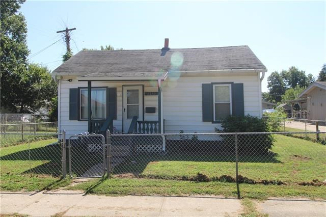 1710 Jones Street, St Joseph, MO 64501