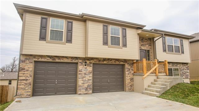 1403 8th Terrace, Oak Grove, MO 64075