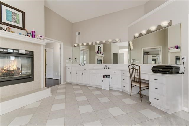 1010 SW Crystal Creek Place, Blue Springs, MO 64015
