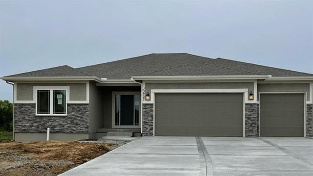 1725 Homestead Drive, Liberty, MO 64068