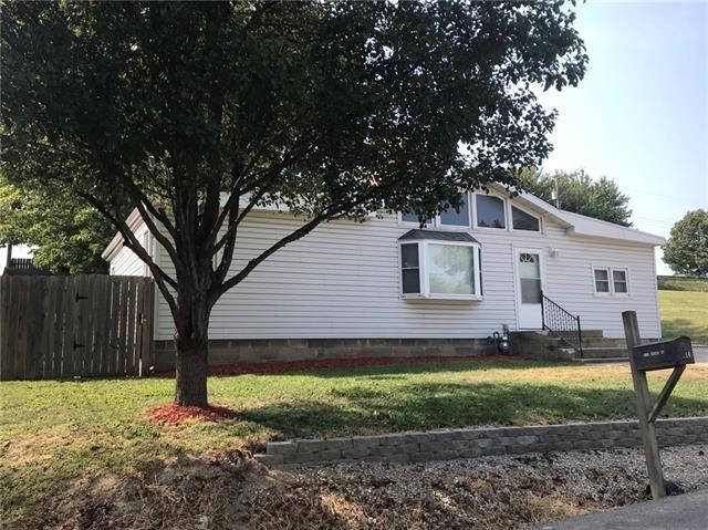 1724 Brenda Drive, St Joseph, MO 64507