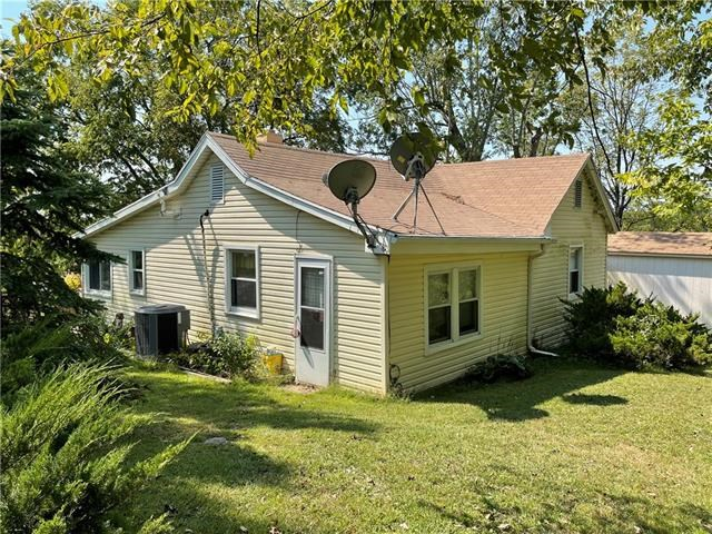 30975 W 124th Street, Excelsior Springs, MO 64024