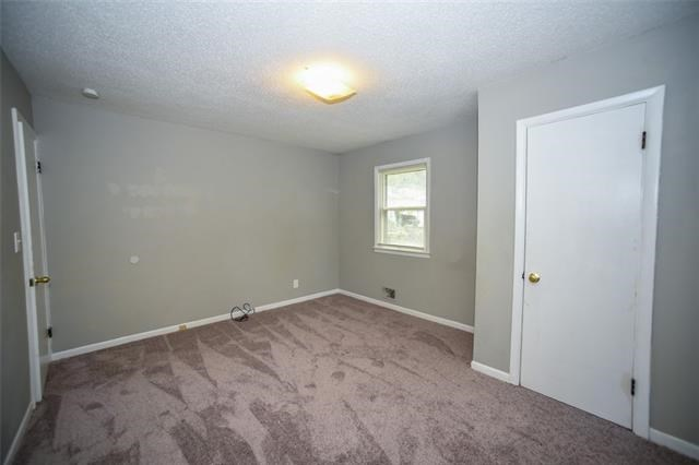 9305 E 15th Street, Independence, MO 64052