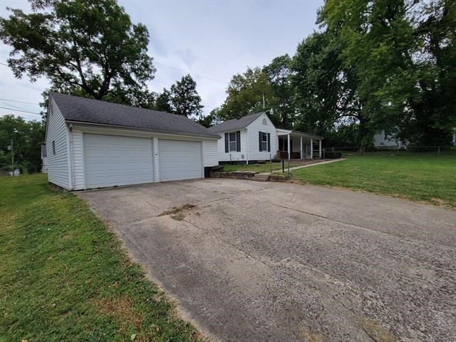 124 S Evanston Avenue, Independence, MO 64053