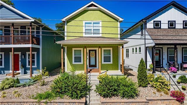 823 SW Walnut Street, Blue Springs, MO 64015