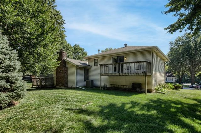1805 NW Hunters Dell Court, Blue Springs, MO 64014