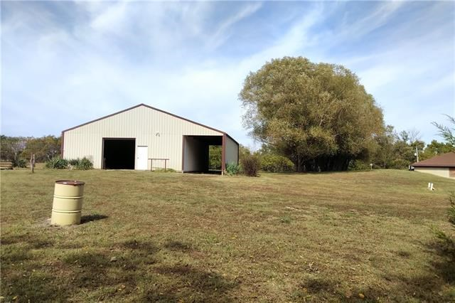 27745 LOOKOUT Road, Paola, KS 66071