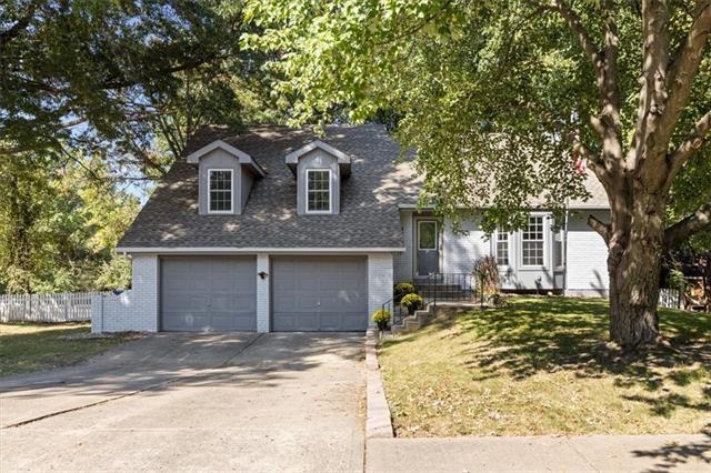 1736 Bluebell Avenue, Liberty, MO 64068