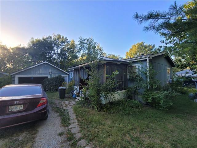 1204 N Mullen Street, Raymore, MO 64083