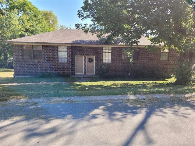 217/219 Emerson Avenue, Bonner Springs, KS 66012