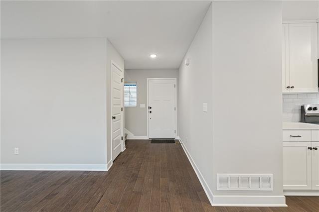 13326 W 180th Terrace, Overland Park, KS 66013