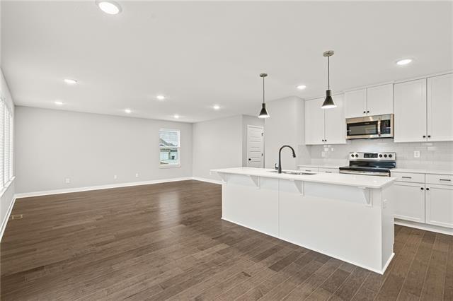 13319 W 180th Terrace, Overland Park, KS 66013