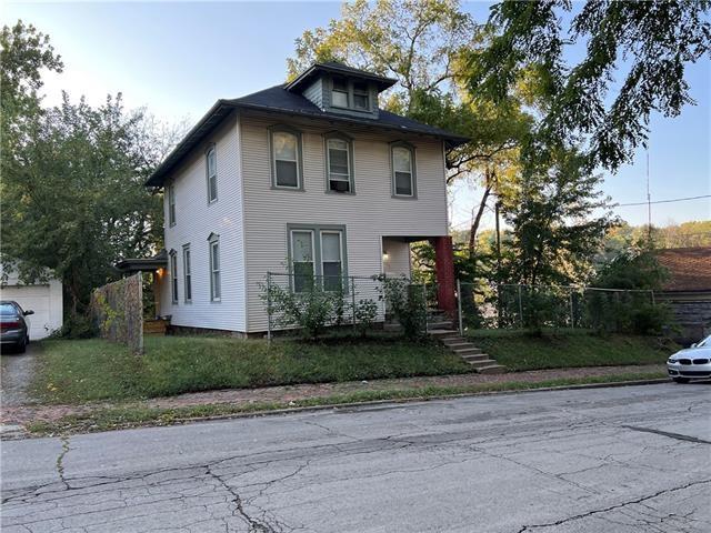 430 N 16th Street, St Joseph, MO 64501