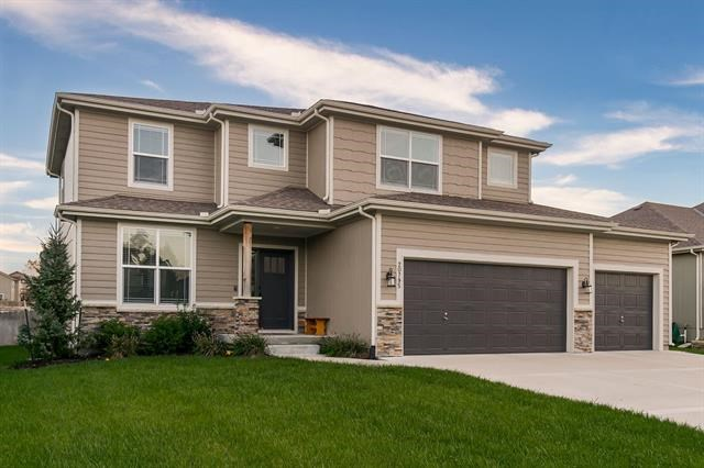 20795 W 225th Terrace, Spring Hill, KS 66083