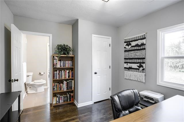 600 W 101st Terrace, Kansas City, MO 64114