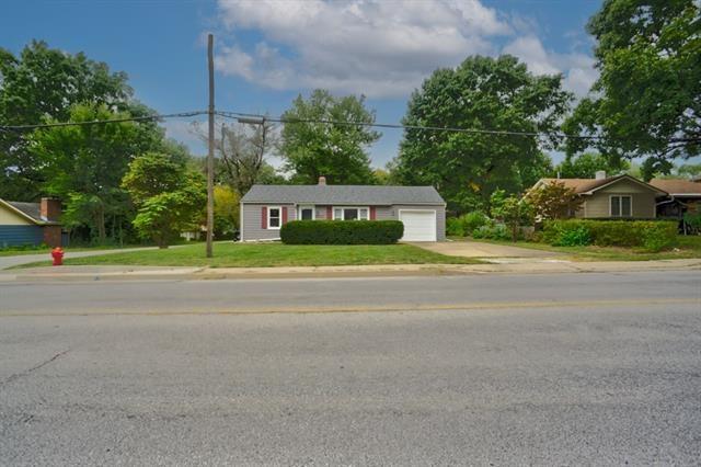 607 SW 15TH Street, Blue Springs, MO 64015