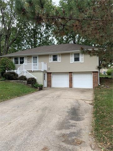 1800 Ann Terrace, Harrisonville, MO 64701