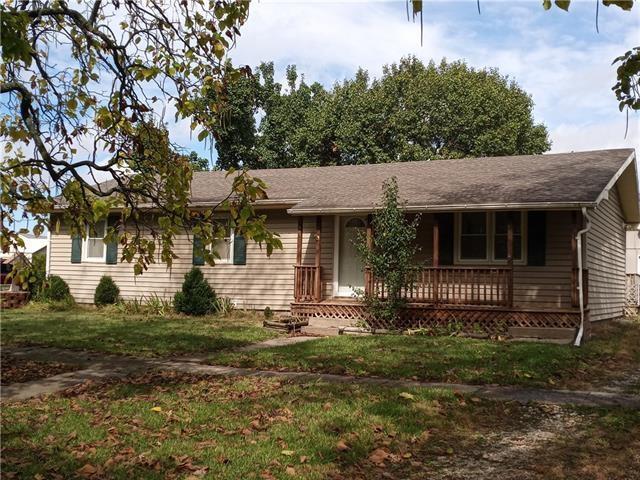 233 E First Avenue, Garnett, KS 66032