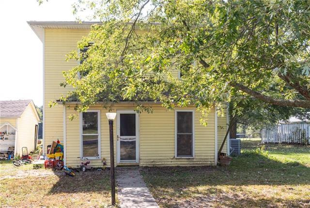 811 Locust Street, Mound City, KS 66056