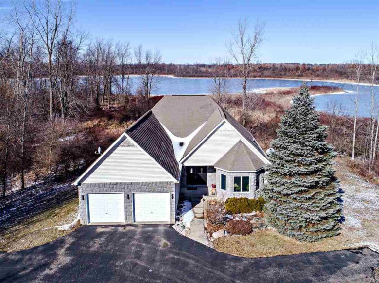 1110 Killarney Court, Lapeer, MI 48446