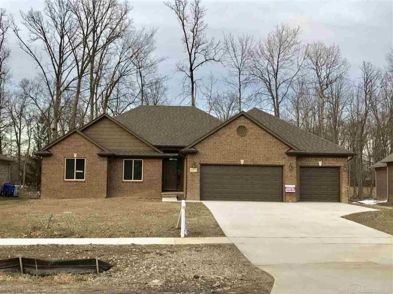 48617 SUGARBUSH, Chesterfield, MI 48047