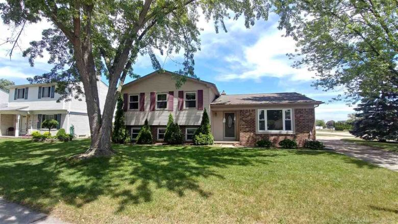 13371 Westminister, Sterling Heights, MI 48313
