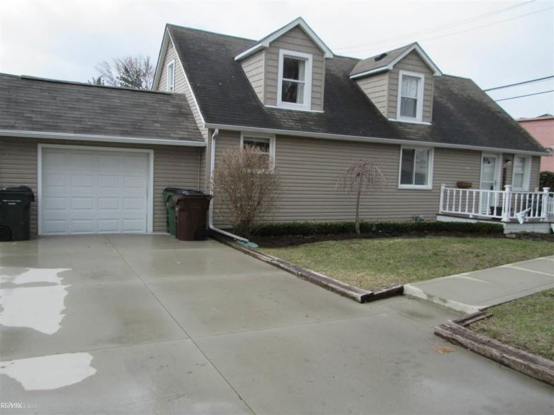 8078 Messmore, Shelby Twp, MI 48317