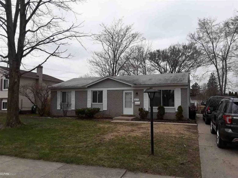 44131 Gibson, Sterling Heights, MI 48313