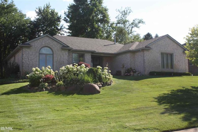 61869 Surrey Ln, Washington, MI 48094