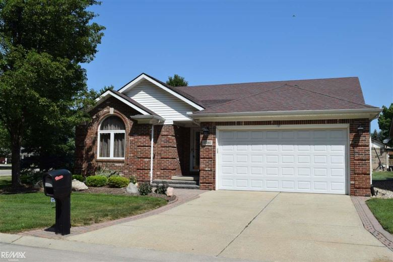 43280 Tall Pines Ct, Sterling Heights, MI 48314