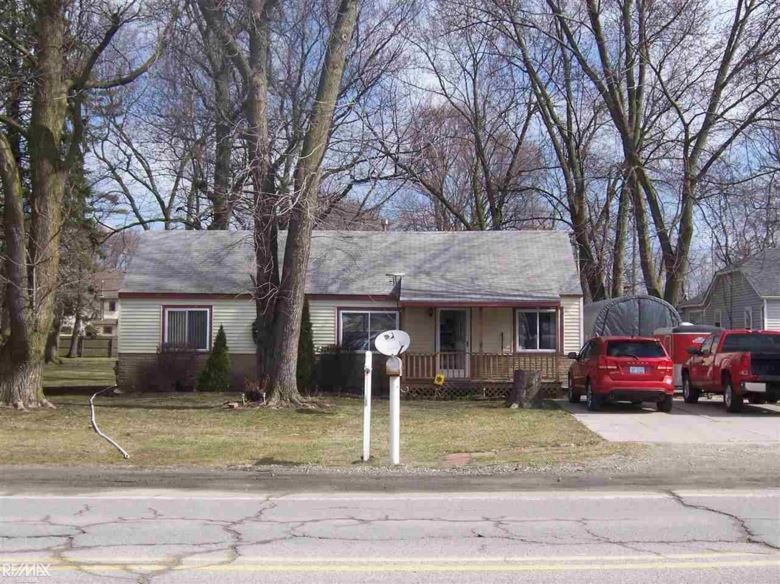 27177 Crocker, Harrison Twp, MI 48045