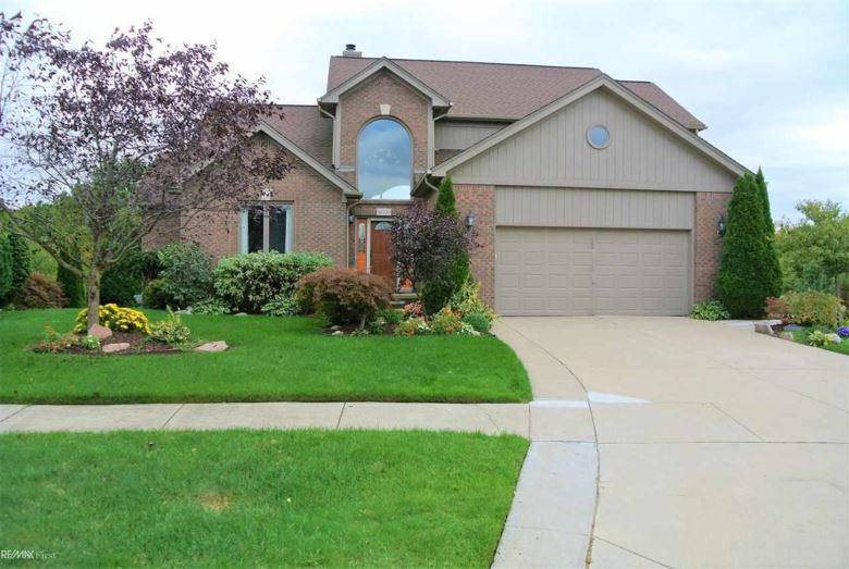 42220 Shulock, Clinton Township, MI 48038