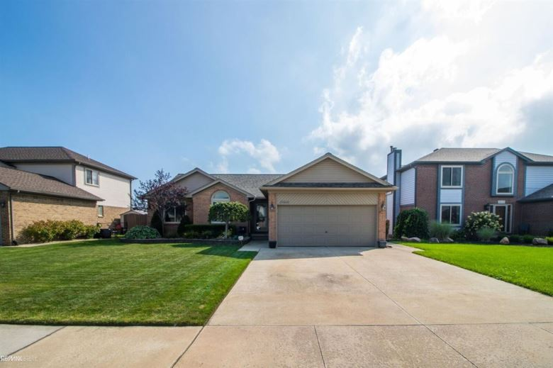 25668 Lord, Chesterfield, MI 48051