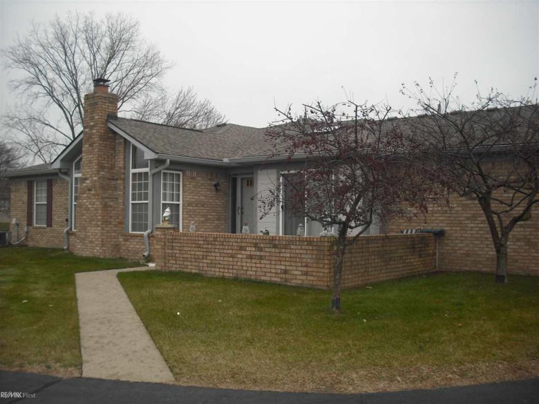 48459 Hudson bay ct, Utica, MI 48315