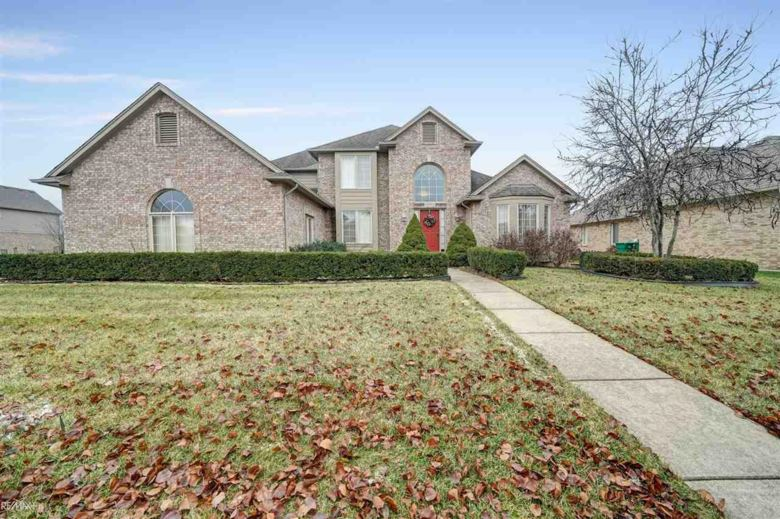 16764 English Garden Dr, Macomb Twp, MI 48042