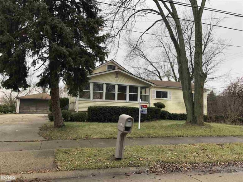 2100 Chesley, Sterling Heights, MI 48310