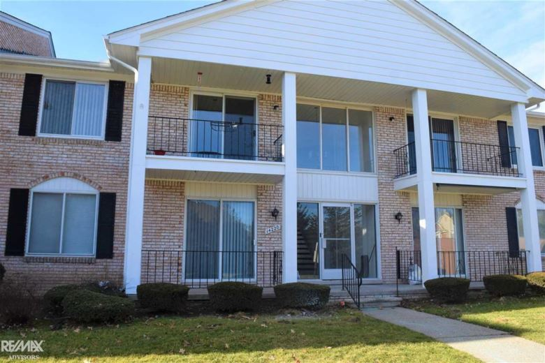14220 Camelot, Sterling Heights, MI 48312