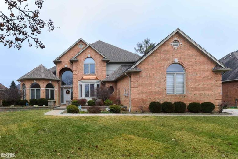 54560 Woodcreek, Shelby Twp, MI 48315